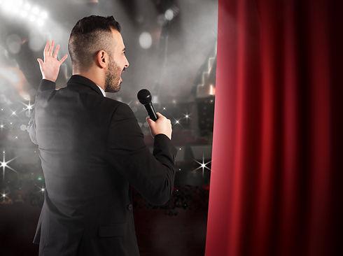 singer on stage singing course.jpg