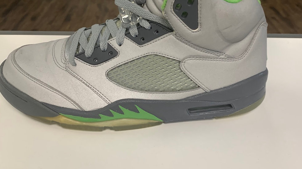 Jordan V Green Bean Sz 10