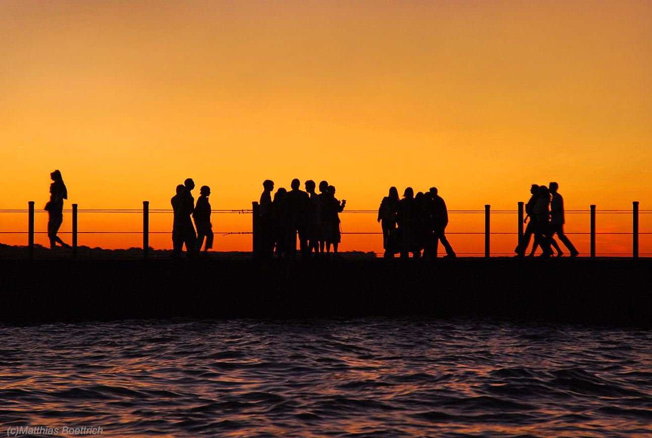 Walking the Pier-Dusk (c)Matthias Boettrich copy.jpg