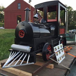 Robbie_Mazzoni_Old_Train_Engine