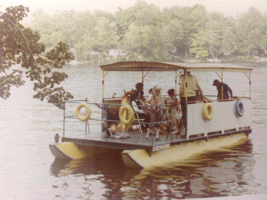 Jim_Pettinato_Old_Pontoon_Boat-1024x765.