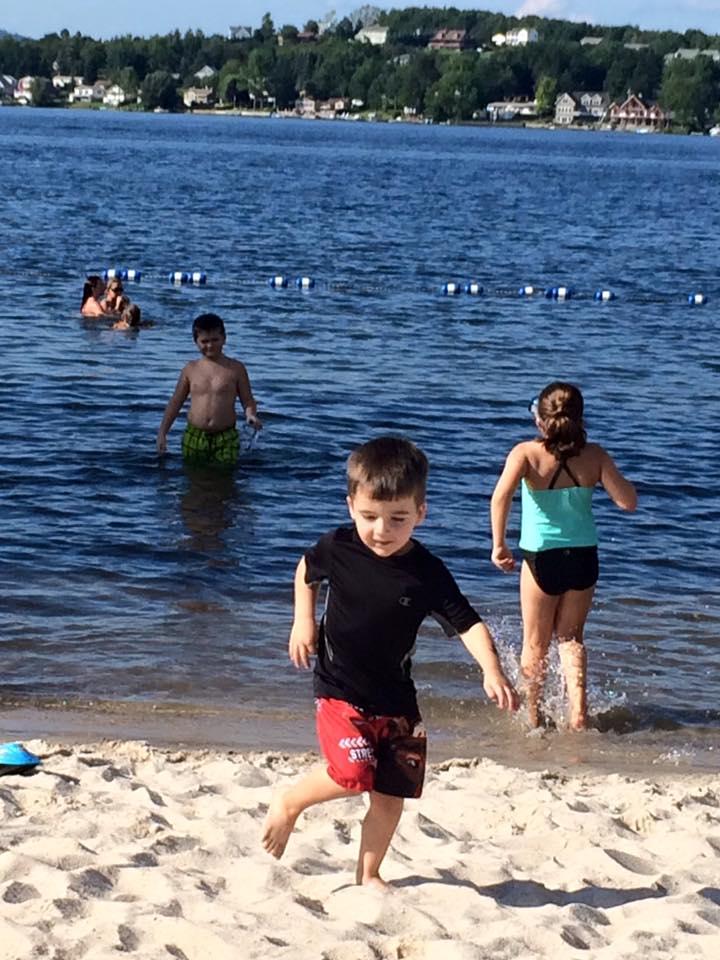 Jenny_Nally_Kids-at-Beach-1