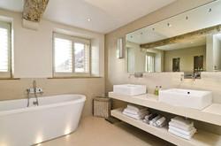 Brittons Farm Estate - Bathroom 2
