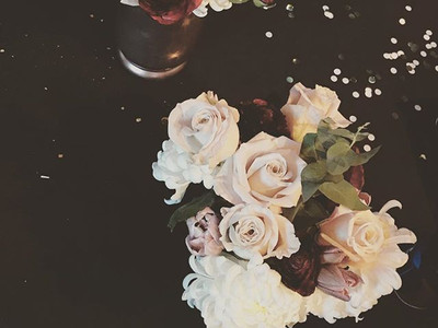 Some classy yet moody blooms for a fabul