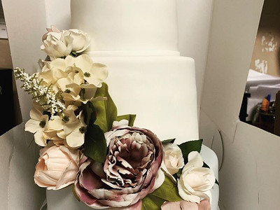 Who would have thought cake florals woul