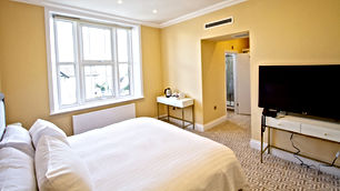 HADLEY HOTEL ROOM 2.jpg