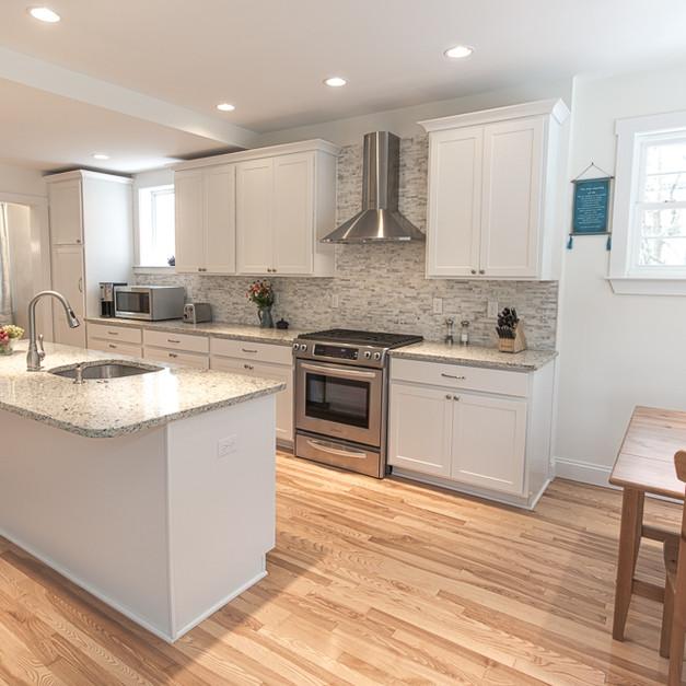kitchen3Edit.jpg
