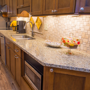 kitchen (1 of 12).jpg