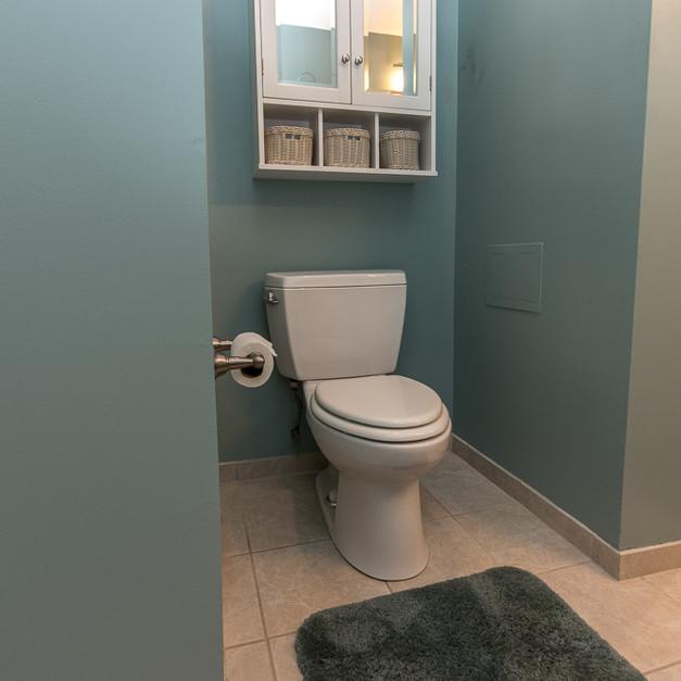 bathroom (3 of 3).jpg