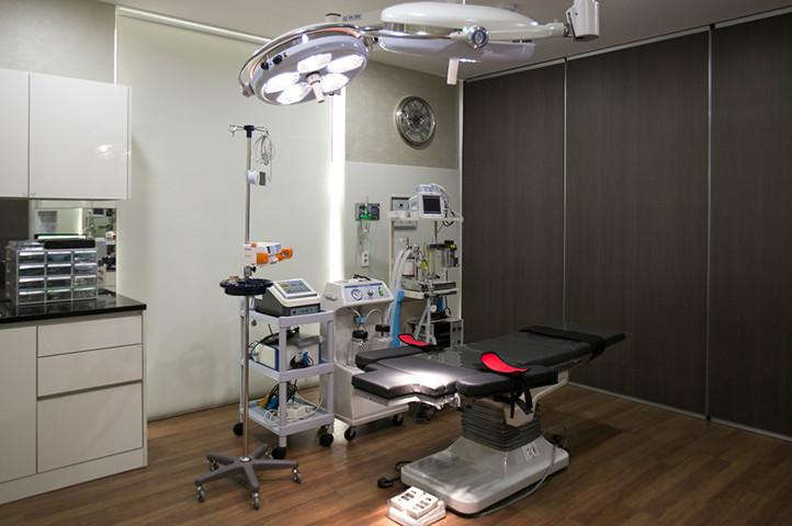 手術室 (13F)