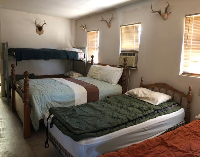 BEDRM MULTIPLE BEDS IMG_3270[128438].jpe