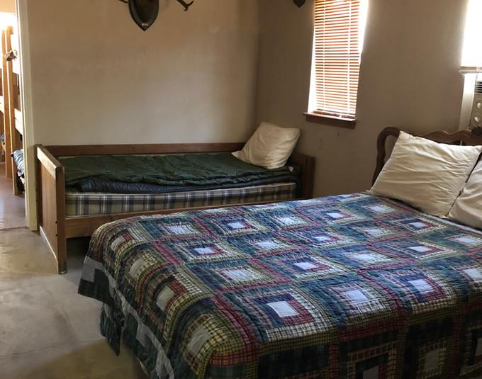 BEDROOM TWO BEDS IMG_3280[128436].jpeg