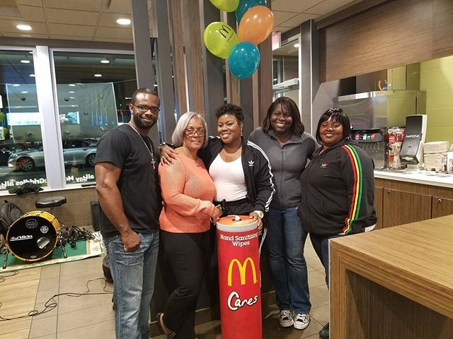 Badabababa #imlovinit 😍😍_Had a blast on Friday performing for the #mcofficernight at _mcdonalds! T