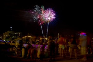 Red-White-and-Boom-at-Schwiebert-Riverfront-Park-Rock-Island-IL-300x200.jpg
