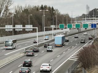 Darf man bald rechts überholen auf der schweizer Autobahn?