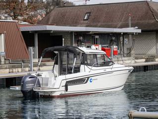 Neues Motorboot in Betrieb