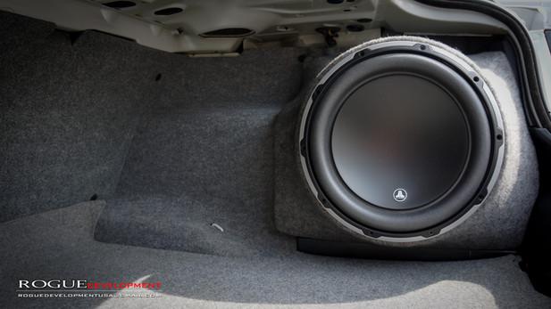 E46 BMW CUSTOM FIBERGLASS SINGLE 12 INCH BOX FOR SEDAN / COUPE