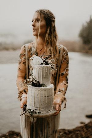 Rain and pines cake