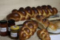 Kleine und grosse Zöpfe mit Sonntagbrot, ein Genuss zum Zmorge
