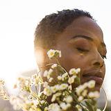 Lisa Michelle Sun burst flower profile.J