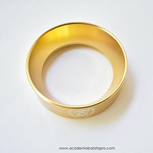 anillo para dosificar dorado