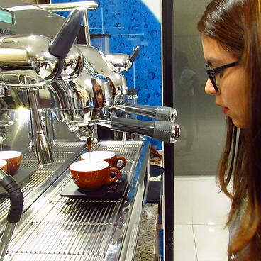 Barista, Cursos de Café en El Salvador, Escuela de Café, Academia de Café, Aprender de café, Aprender Barismo