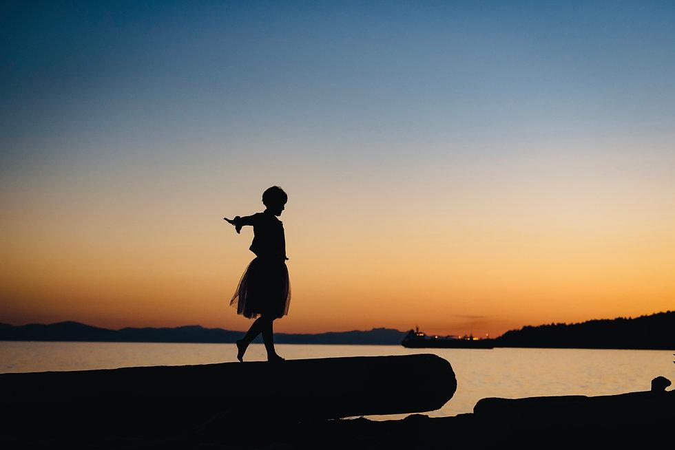 Erica Harris Shadow Image balancing on L