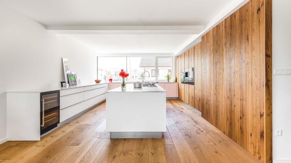 vintage oak modern kitchen