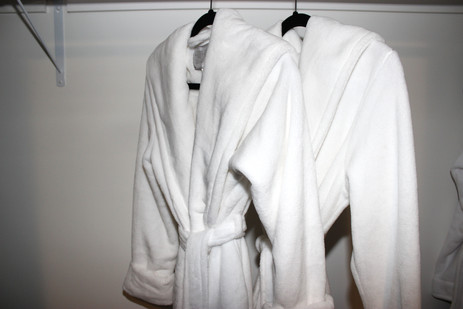 The Drake Nest - guest robes