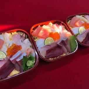 米八(ちらし寿司 1,620円)