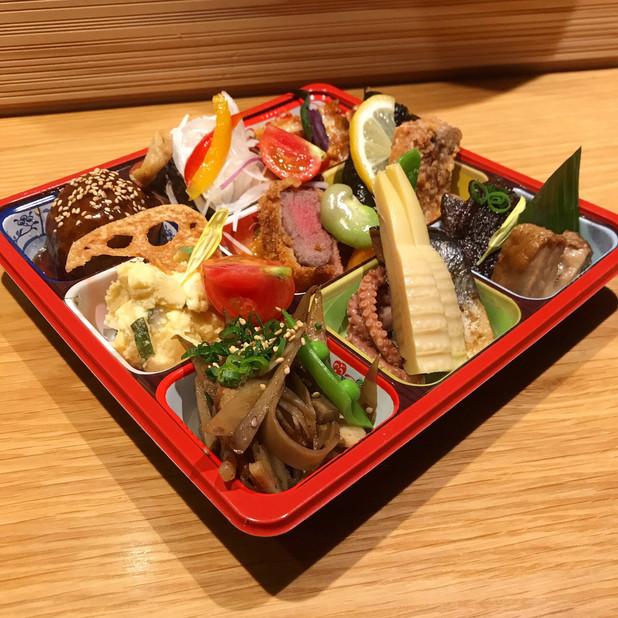 魚菜工房 壱(★おばんざい9種盛り合わせ ¥2160- (内容はお任せになります。) 夕飯、晩酌にぴったり。バリエーション豊か、当店人気のおばんざい盛り合わせです。1〜2人向け)