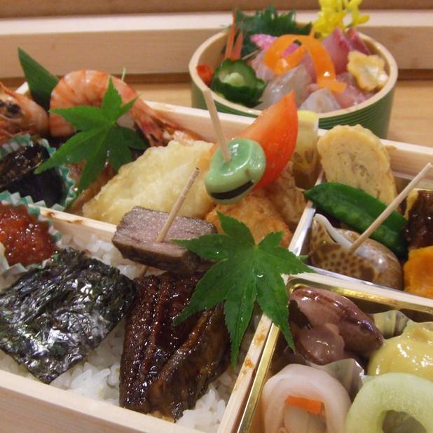 割烹有川(お弁当 晩酌味膳(別皿のお造り付き)2500円)