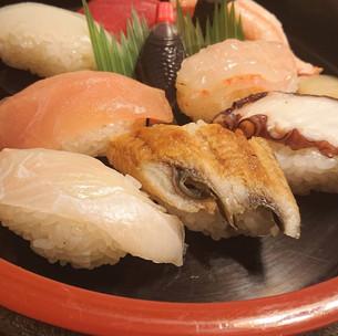 美幸寿司(にぎり1300円)