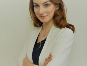 Blogpost #1 -Portrait d'Eline Chivot, Senior Policy Analyst | Center for Data Innovation, Bruxelles
