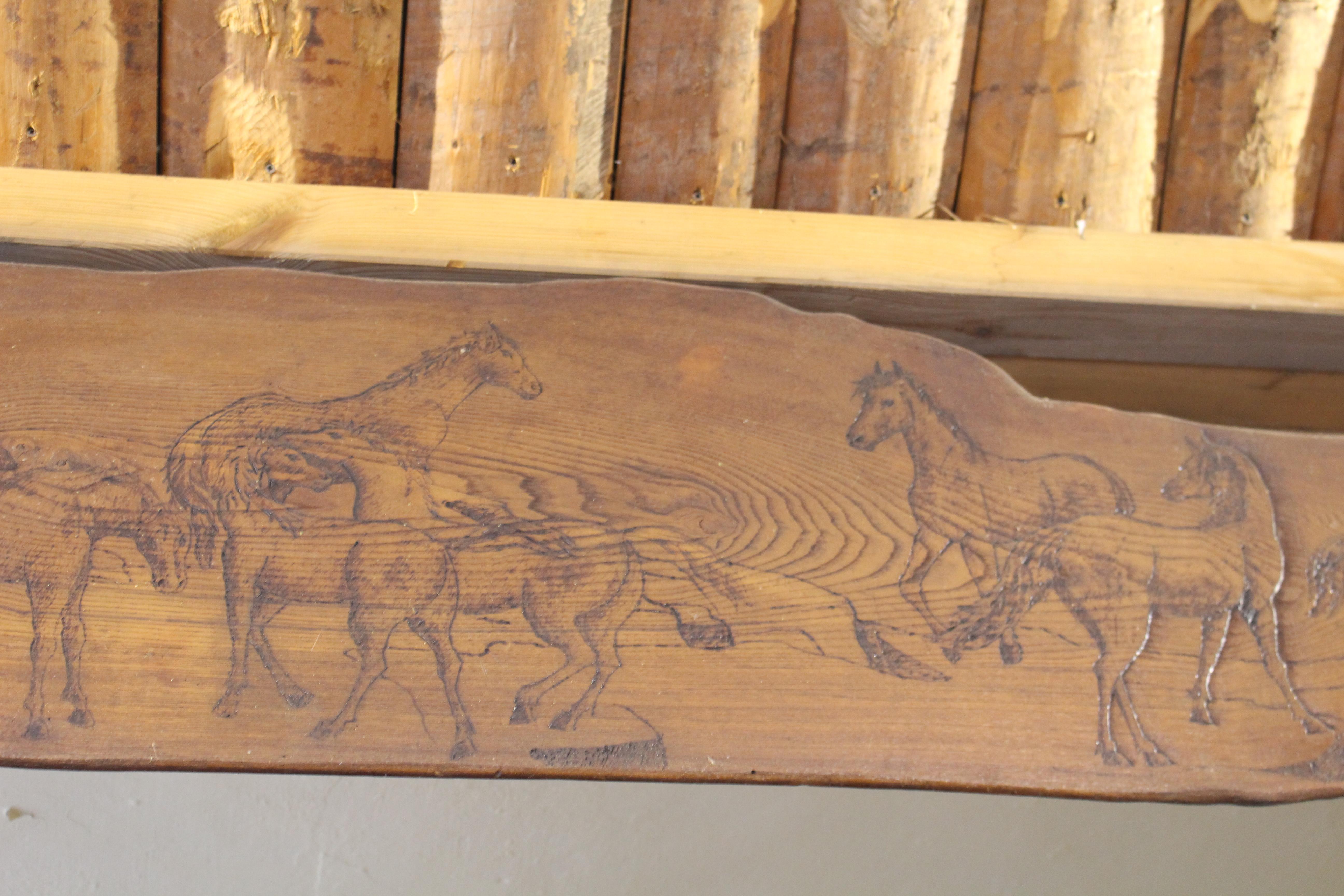 Cavalli su legno