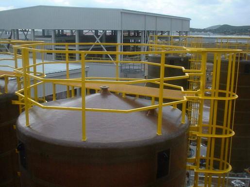Barandal para tanque de 4.2 m diámetro EFISA
