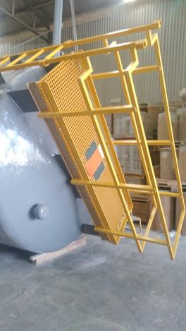 Plataforma y Barandal para  tanque de EFISA