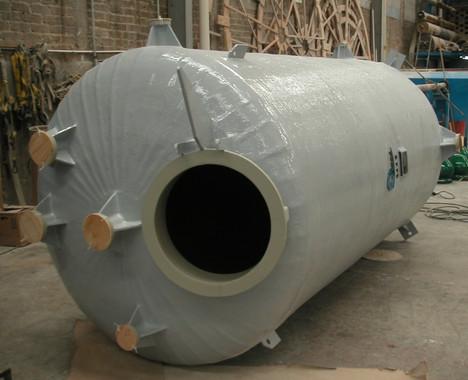 Tanque 7,500 litros , forro PP EFISA
