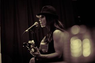 Tango_Corina-Piatti-_-NuTango.com-'live-lounge'-Southampton08-16-.jpeg
