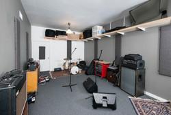 Full Larger Room