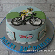 CYCLING THEMED BIRTHDAY CAKE