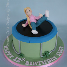 TRAMPOLINE CAKE WITH PERSONALISED FIGURE