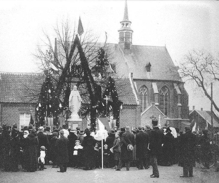 1921 H Hart beeld inwijding Broekhuizen.