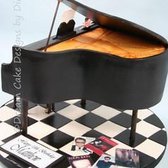 'MATTHEW' ~ GRAND PIANO CAKE