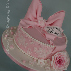 'LOWELL'~ vintage style hatbox design with large pink bow and rose
