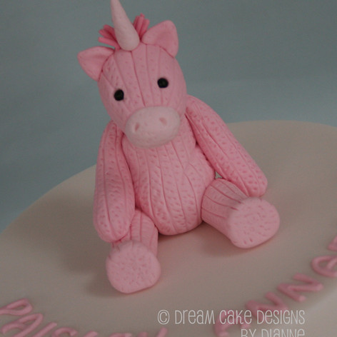 1st BIRTHDAY ~ UNICORN TOPPER CAKE