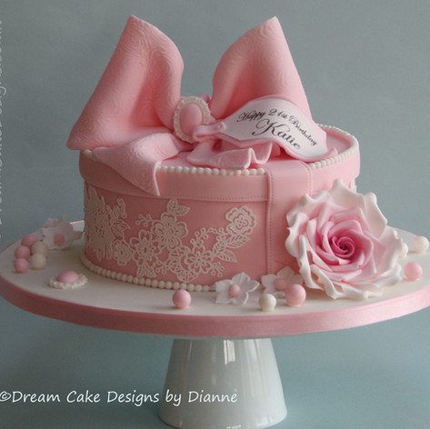 'KATIE'~ vintage style hatbox design with large pink bow and rose