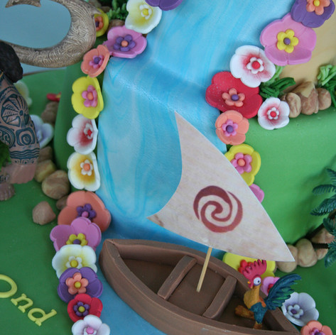 LILLY LOU | MOANA THEMED CAKE