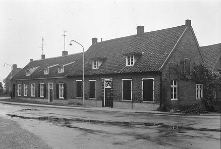 Kerkstraat 40 en 42 Brvorst.jpg