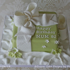 'MUM' ~ HAPPY 80th BIRTHDAY PRESENT CAKE